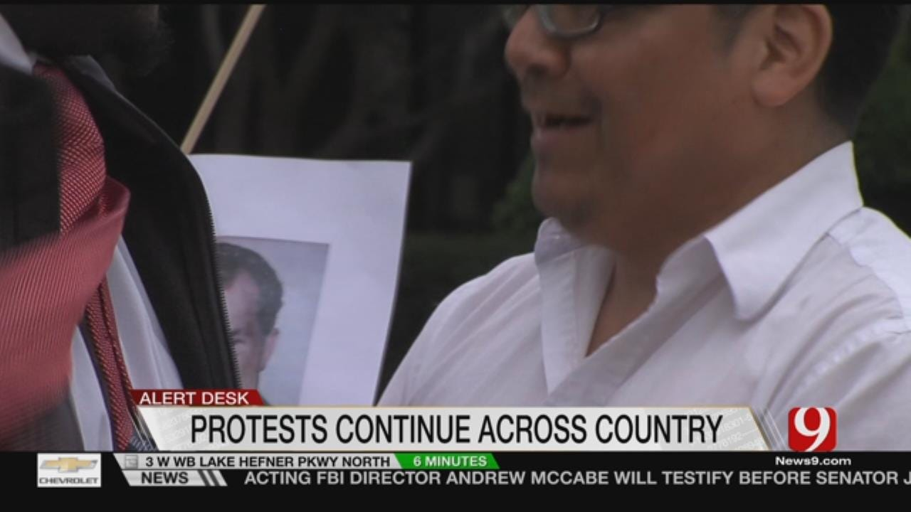 Protesters Demand Action From Cole On Russia Investigation