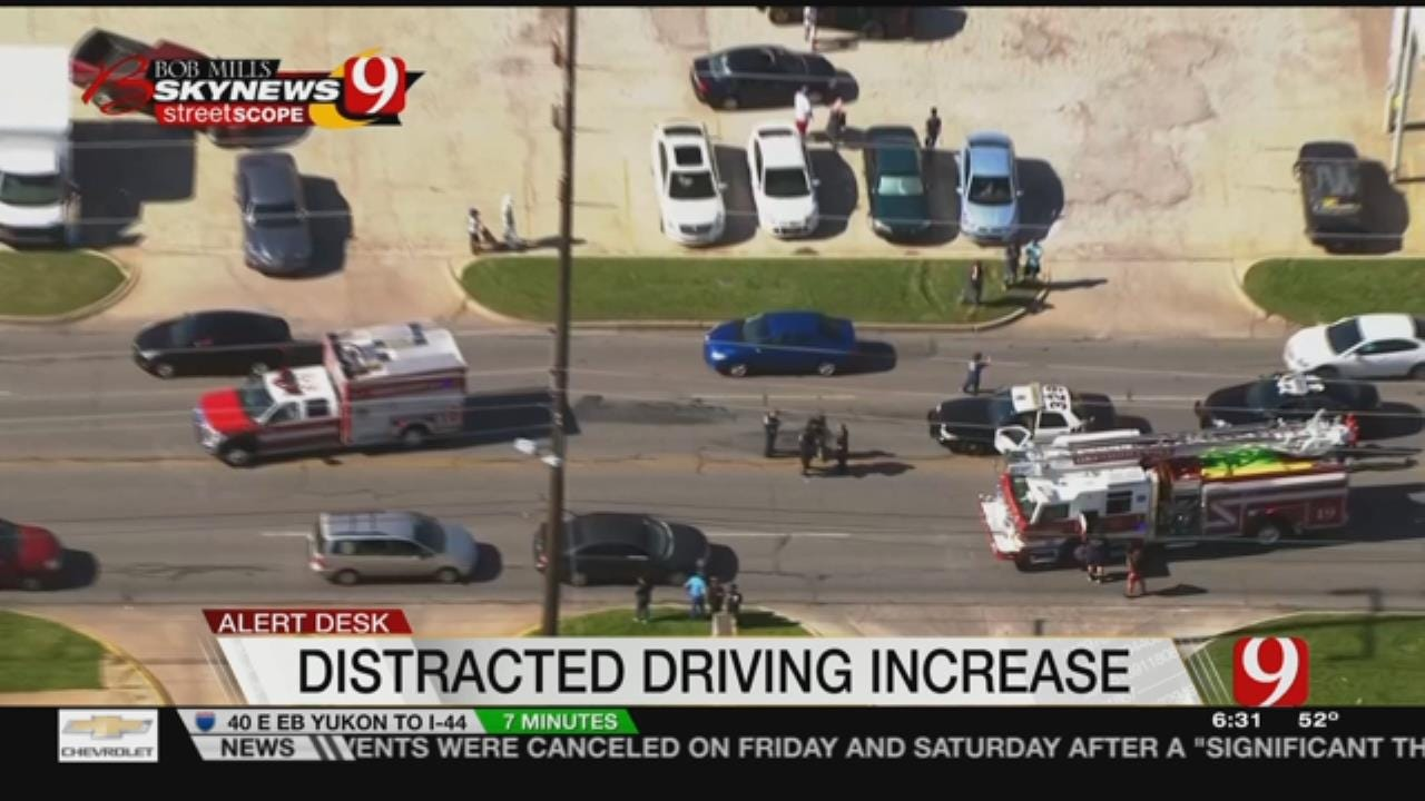 Distracted Driving Deaths Up In OK Last Year