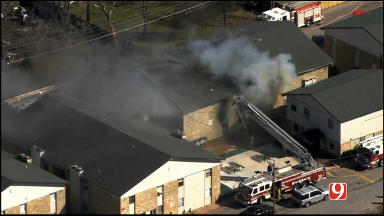 WEB EXTRA: SkyNews 9 Flies Over Large Apartment Fire In NW OKC