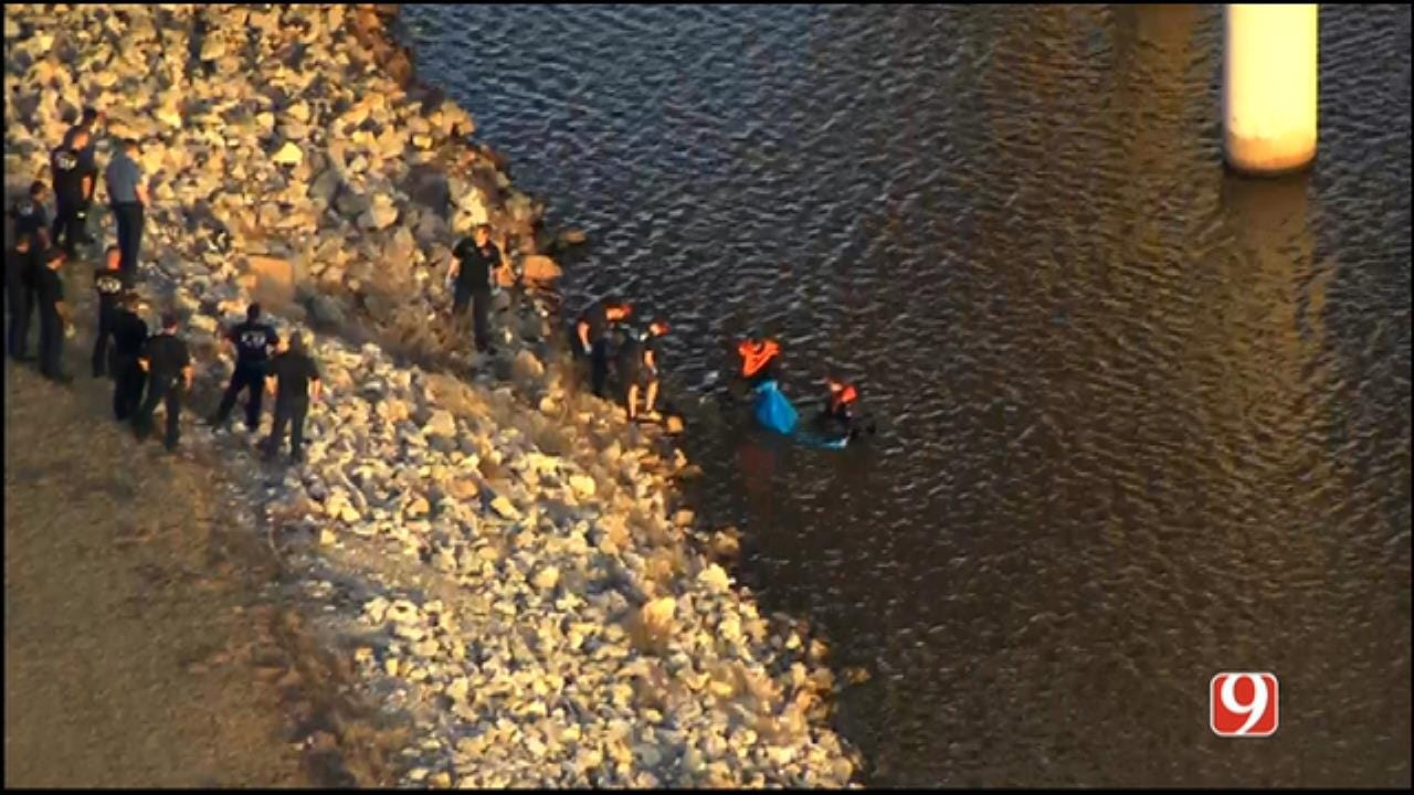 WEB EXTRA: SkyNews 9 Flies Over As Body Recovered From Oklahoma River