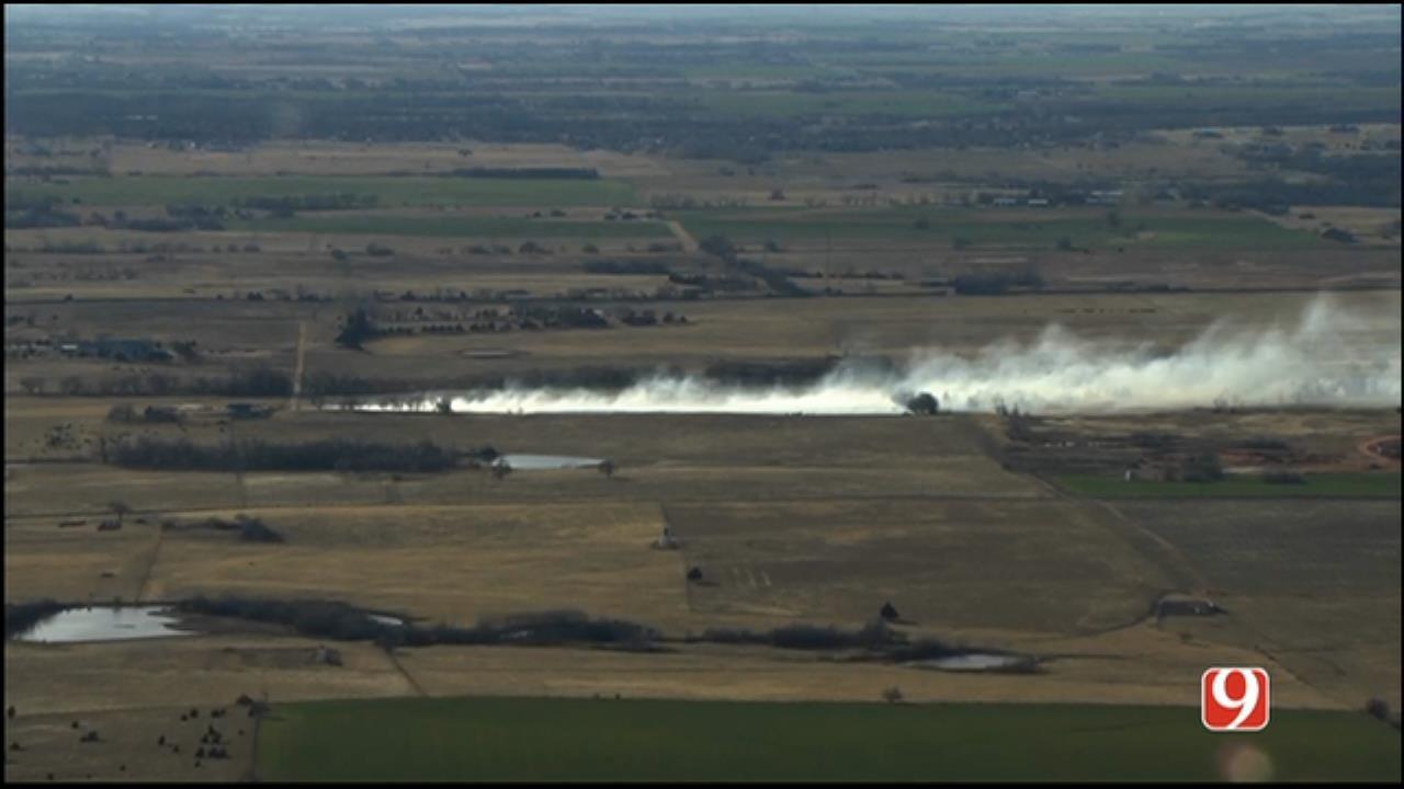 WEB EXTRA: SkyNews 9 Flies Over Wildfire Burning NE Of Yukon