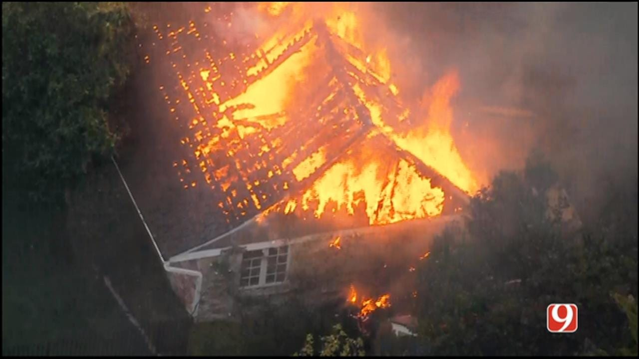 WEB EXTRA: SkyNews 9 Flies Over House Fire In Nichols Hills