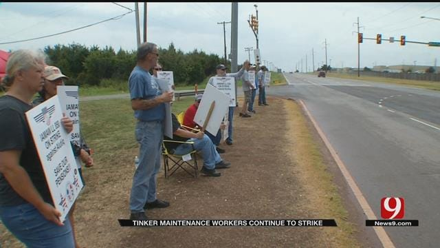 Tinker AFB Workers Enter Fourth Week Of Strike