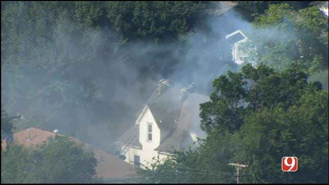WEB EXTRA: Bob Mills SkyNews 9 Flies Over NW OKC House Fire