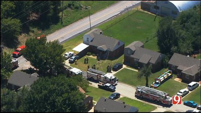 WEB EXTRA: Bob Mills SkyNews 9 Flies Over NE OKC House Fire