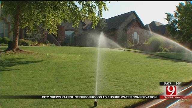 City Crews Patrol Neighborhoods To Ensure Water Conservation