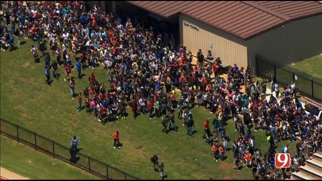 WEB EXTRA: Bob Mills SkyNews 9 Flies Over Moore HS Evacuation