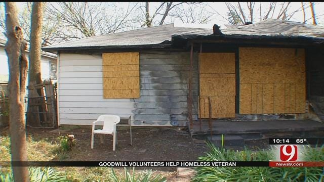 Goodwill Volunteers Help Homeless Veteran