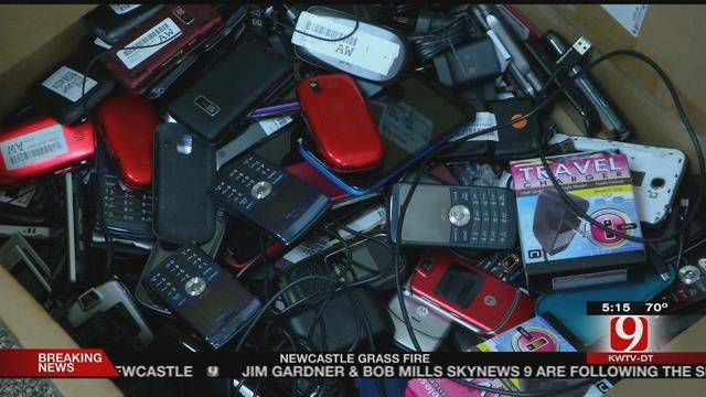 UCO Students Collect Cell Phones For St. Jude Children's Research Hospital