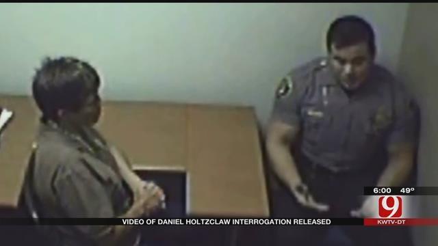 DA Releases Video Of Daniel Holtzclaw Interrogation