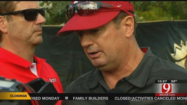 Knight Playing Key Role As Sooners Prep For Clemson