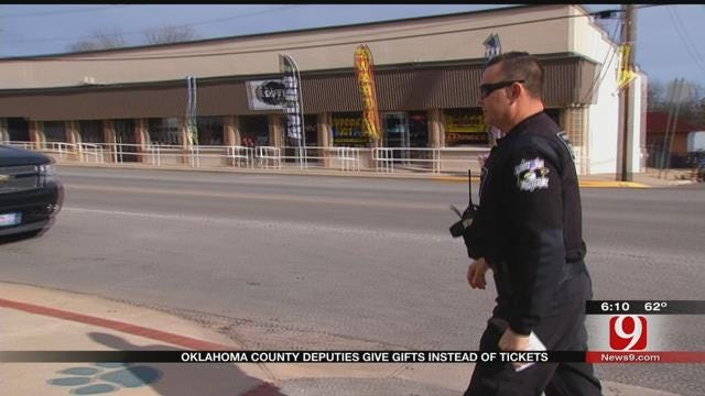 Oklahoma Co. Deputies Go On 'Christmas Patrol'