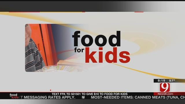 News 9's Amanda Taylor Is Outside The Studio Encouraging Food For Kids Donations