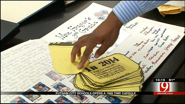 Putnam City Schools Opens 1989 Time Capsule