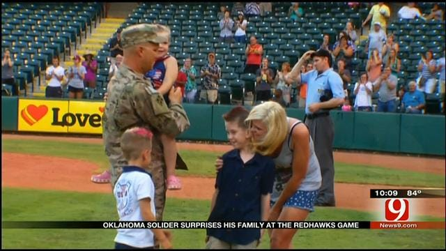 Oklahoma Soldier Surprises His Family At The Redhawks Game