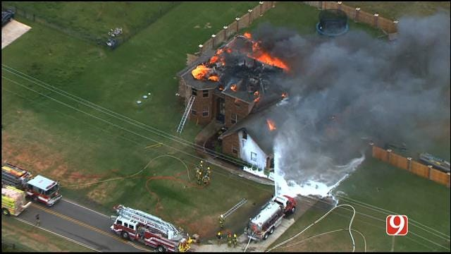 WEB EXTRA: Bob Mills SkyNews 9 HD Flies Over House Fire In Edmond