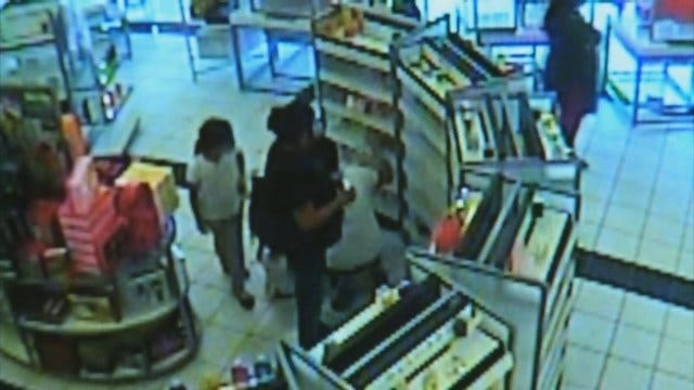 WEB EXTRA: Thieves Steal Perfume From Ulta Store