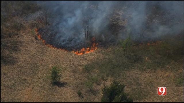 WEB EXTRA: Bob Mills SkyNews 9 HD Flies Over Lincoln Co. Wildfire