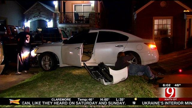 Suspect Flees After Police Chase, Crash In NW OKC