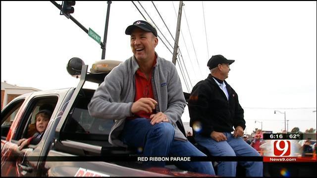 David Payne, Jim Gardner Attend Moore Red Ribbon Parade