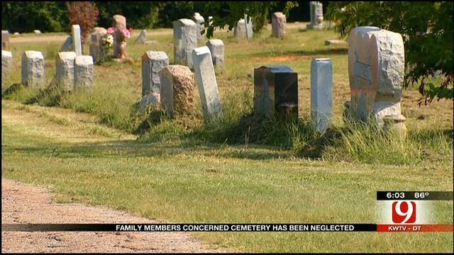 Selmon's Wife Seeks To Improve OKC Cemetery Where Husband's Buried