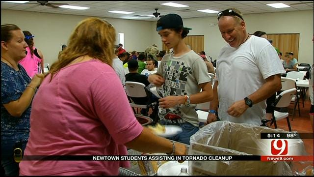 Teens From Newtown Help Tornado Victims In Oklahoma
