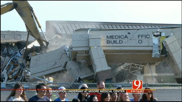 Demolition Begins On Tornado-Damaged Moore Medical Center