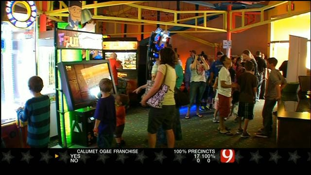 Plaza Towers Teachers, Students And Parents Treated To Party In Norman
