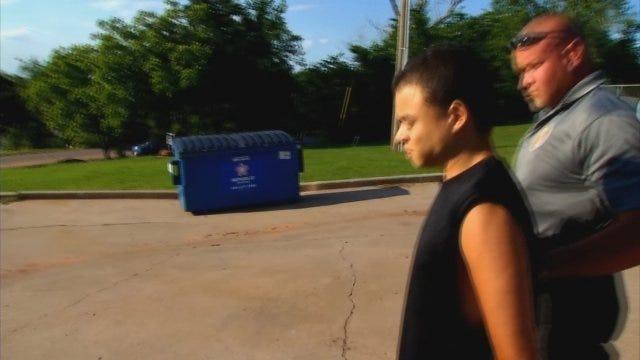 WEB EXTRA: News 9's Lisa Monahan Questions Chandler Motel Murder Suspect