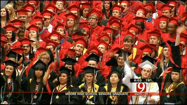 Moore Seniors Mark Graduation 5 Days After Deadly Tornado Hit