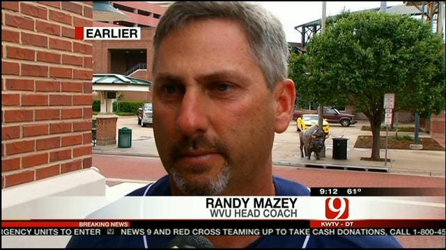 West Virginia Baseball Coach Helps Moore Tornado Victim