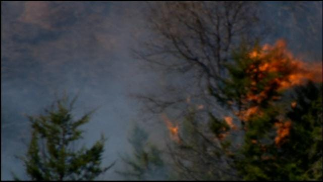 WEB EXTRA: SkyNews 9 Flies Over Grass Fire In Luther
