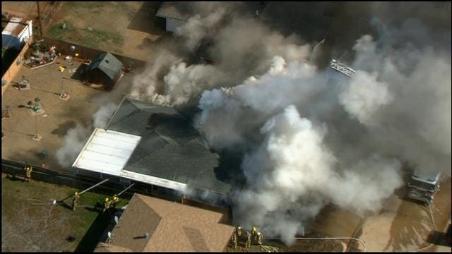 Bob Mills SkyNews 9 HD Over The Scene Of MWC House Fire