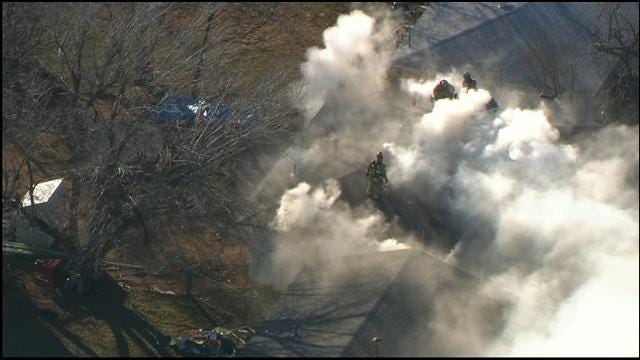 WEB EXTRA: Bob Mills SkyNews 9 HD Flies Over SW OKC House Fire
