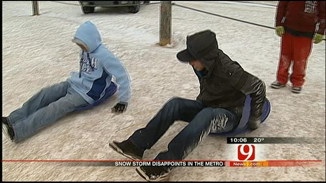Oklahomans Respond To Dusting Of Snow In Metro On Christmas Day
