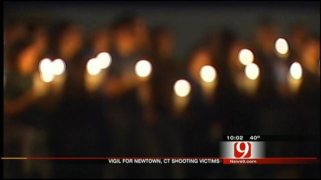Dibble Students Gather To Pay Tribute To Sandy Hook Victims