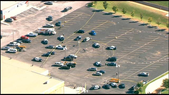Police Officer Involved In Shooting At SW OKC Grocery Store