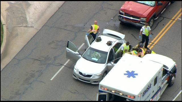 SkyNews 9 Flies Over Multi-Vehicle Crash In Northwest OKC