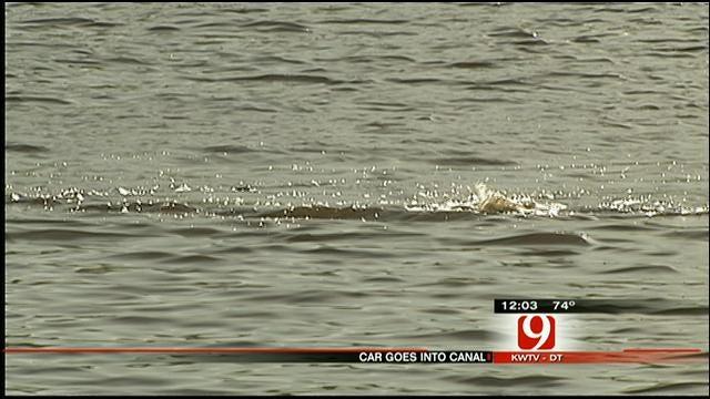 Driver Escapes Car After Crashing Into OKC Canal