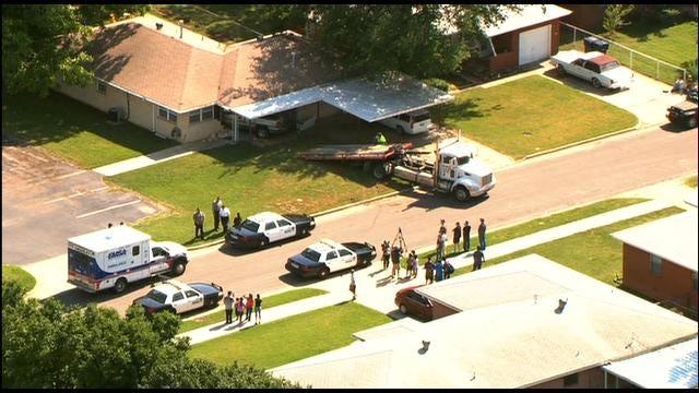 SkyNews 9: Car Crashes Into Southwest OKC Home