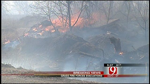 Norman Grassfire Forces Residents From Homes