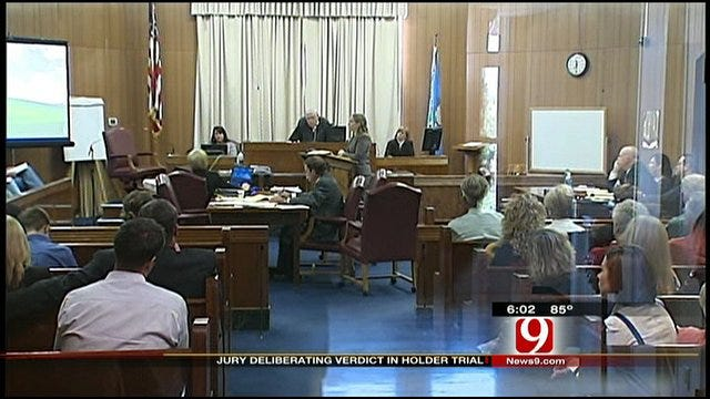Jury Deliberates In Case Of Edmond Woman Accused Of Child Abuse