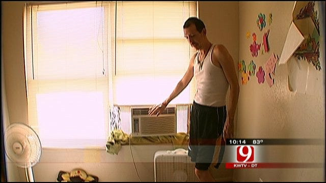 Oklahoma Family Struggles To Beat The Heat