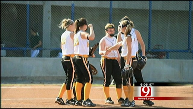 Softball Tournament in OK Not Ruined By Thieves