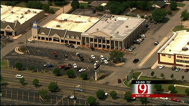 Bold Bank Robber Hits Northwest Oklahoma City Bank