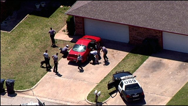 WEB EXTRA: SkyNews9 Follows Police Pursuit Through Northwest OKC