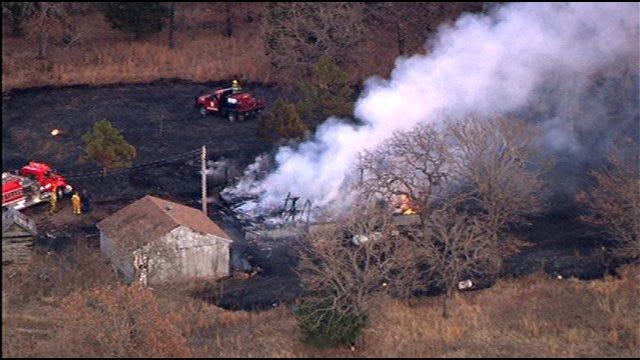 SkyNews 9 HD Captures Norman House, Grass Fire