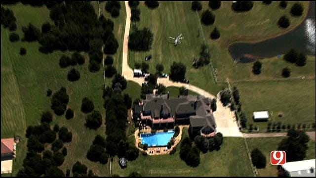 WEB EXTRA: SkyNews 9 Flies Over Possible Drowning At Edmond Home