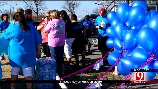 Friends Honor Slain Del City Teen With Balloon Release