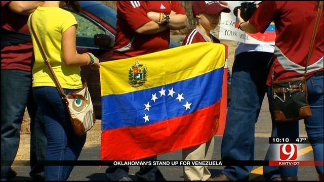 Oklahomans Support Venezuelans During Peaceful Protest